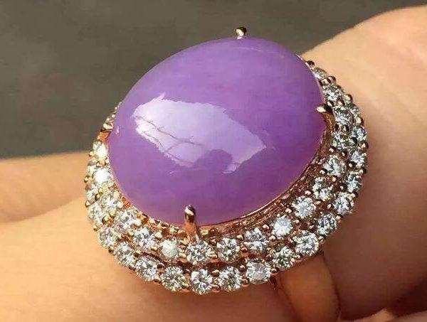 紫罗兰翡翠到底有什么意义,为什么很多人为之沉迷1