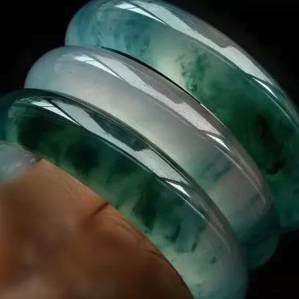 翡翠手镯不知道戴多大?手镯测量有妙招